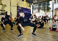 Nghệ sĩ gốc Việt thành danh trên sàn nhảy Mỹ