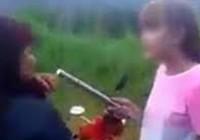 Phạt 'nữ sinh dùng tuýp sắt đánh bạn'