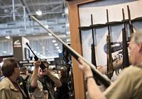 Tổng thống Obama thách thức nhóm 'lái súng'