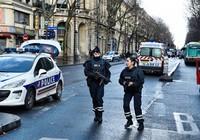 Bí ẩn danh tính kẻ tấn công cảnh sát Pháp