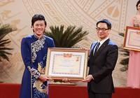 Nghệ sĩ Hoài Linh và tiếng vỗ tay to nhất