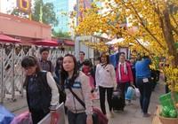 Tặng vé xe cho hơn 1.600 nữ công nhân về quê ăn tết