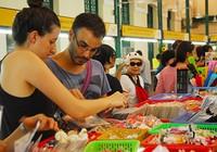 Vì sao khách nước ngoài đến Việt Nam giảm mạnh?