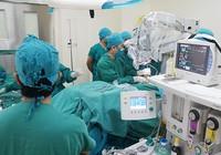 Bệnh viện tư: 'Chúng tôi bị phân biệt đối xử!'