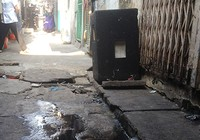 Phường đang tiến hành sửa chữa đường cống cho dân