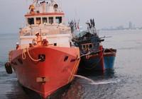 Cấp cứu ngư dân bị nạn trên vùng biển Hoàng Sa