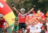 Giải xe đạp Cúp TH TP.HCM - Tôn Đông Á 2016: So tài trên đỉnh đèo Ngang