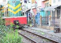 """Hành lang đường sắt treo. cả ngàn nhà dân """"treo"""" theo"""