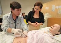Thí điểm đưa điều dưỡng sang CHLB Đức làm việc