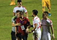 Vòng 10 Toyota V-League : SL Nghệ An vừa đá vừa run