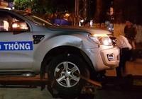 Tìm được ô tô tông xe cảnh sát rồi bỏ chạy