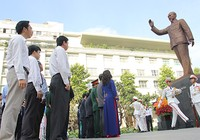 Lãnh đạo TP.HCM tri ân công lao của Hồ Chủ tịch