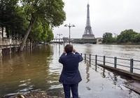 Văn phòng tổng thống Pháp chuẩn bị di dời do lũ lụt