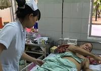 Bế tắc, ông cụ ba lần tự tử không thành ở bệnh viện
