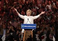 'Ứng viên lịch sử' Hillary Clinton sẽ làm gì cho nước Mỹ?