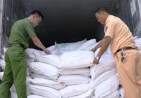 Bắt 29 tấn chất phụ gia lậu từ Trung Quốc