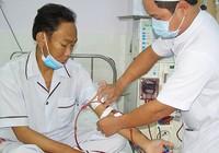 Mang máy lọc thận xuống gần nhà bệnh nhân