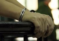 Ai được thăm nuôi người bị tạm giữ?