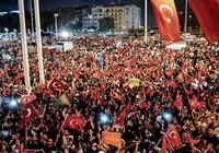 Thổ Nhĩ Kỳ mở chiến dịch lùng bắt quân đảo chính