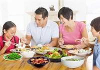 Lối sống gia đình quyết định bệnh tật không kém gì gen