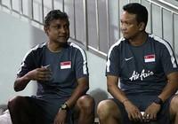 Đội tuyển Singapore tiếp tục 'hứng đá' của dư luận