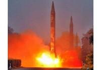 Lần đầu tiên tên lửa Triều Tiên rơi vào vùng biển Nhật