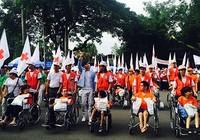 Hơn 5.000 người đi bộ vì nạn nhân da cam