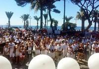 1.500 người mặc đồ trắng tưởng niệm các nạn nhân đêm 14-7