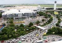 Sân bay Tân Sơn Nhất tắc, sếp VNA phải bay vòng vòng trên trời