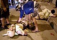 Hai CSGT bị cướp đạp ngã đã xuất viện