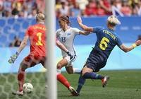 Nữ Thụy Điển loại đương kim vô địch Mỹ ở loạt đấu súng