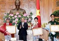 Thủ tướng trao huân chương Lao động hạng Nhất cho VĐV Hoàng Xuân Vinh