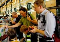 Du lịch TP.HCM: Phải xóa tour nghèo, giảm chèo kéo