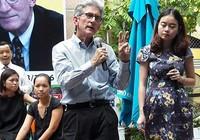 Giáo sư ĐH Stanford giao lưu ở đường sách Sài Gòn