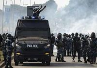 Hàng ngàn người biểu tình đòi Tổng thống Gabon ra đi