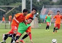 Giải vô địch U-19 ĐNÁ: Vừa đá vừa nhìn Úc và Thái Lan