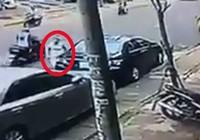 Camera quay cảnh ô tô bị rạch