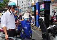 Người mua xăng lại bị 'móc túi' hơn 3.000 tỉ đồng