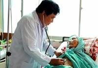 Cứu sống cụ bà 90 tuổi bị xuất huyết tiêu hóa nguy kịch