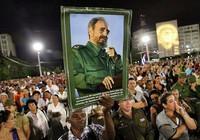 Tiễn đưa di hài lãnh tụ Fidel Castro về Santiago deCuba