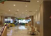 Trung tâm thương mại hoành tráng đóng cửa mùa mua sắm