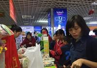 Chợ vắng, TTTM nô nức khách mua sắm