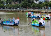 Phải chặn việc ném đá du khách trên kênh Nhiêu Lộc