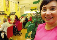 Người Việt tại Czech: Vươn lên từ phận làm thuê