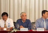 Ai 'lèo lái' bóng đá Việt Nam?