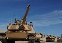 Xe tăng Mỹ rầm rộ tập kết gần biên giới Nga
