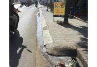 Quán cơm xả nước thải trực tiếp ra đường