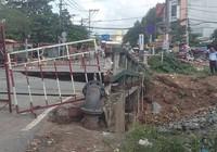 Sụp cầu Tân Kỳ - Tân Quý: Chỉ tại trời mưa!?