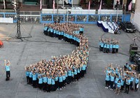 Hàng ngàn bạn trẻ nhảy flashmob kêu gọi tắt điện