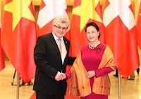 Chủ tịch QH hội đàm với chủ tịch HĐNN Thụy Sĩ